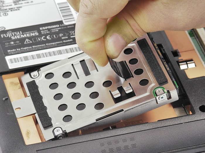 Замена жёсткого диска в ноутбуке