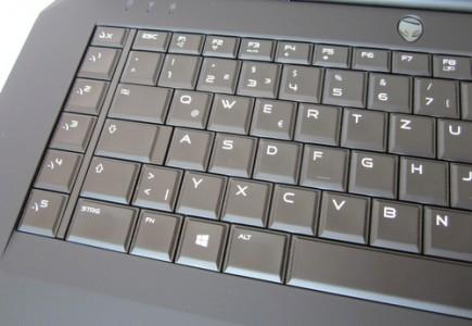 программируемые клавиши ноутбука Dell Alienwar 17 R3