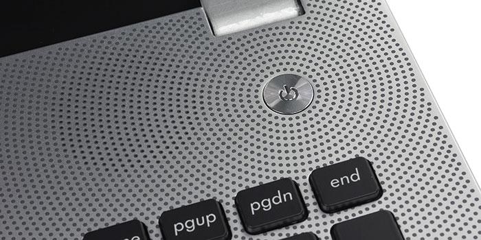 Как включить ноутбук без кнопки включения?